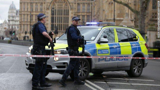 Возле здания британского парламента произошла стрельба - есть раненные, - Reuters - Цензор.НЕТ 291