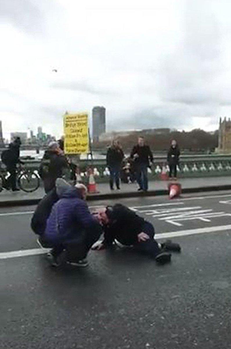 #Londra le immagini subito dopo il duplice attacco davanti al Parlamen...