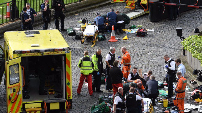 One woman dead in Westminster 'terror incident' https://t.co/eQB2xbYjo...