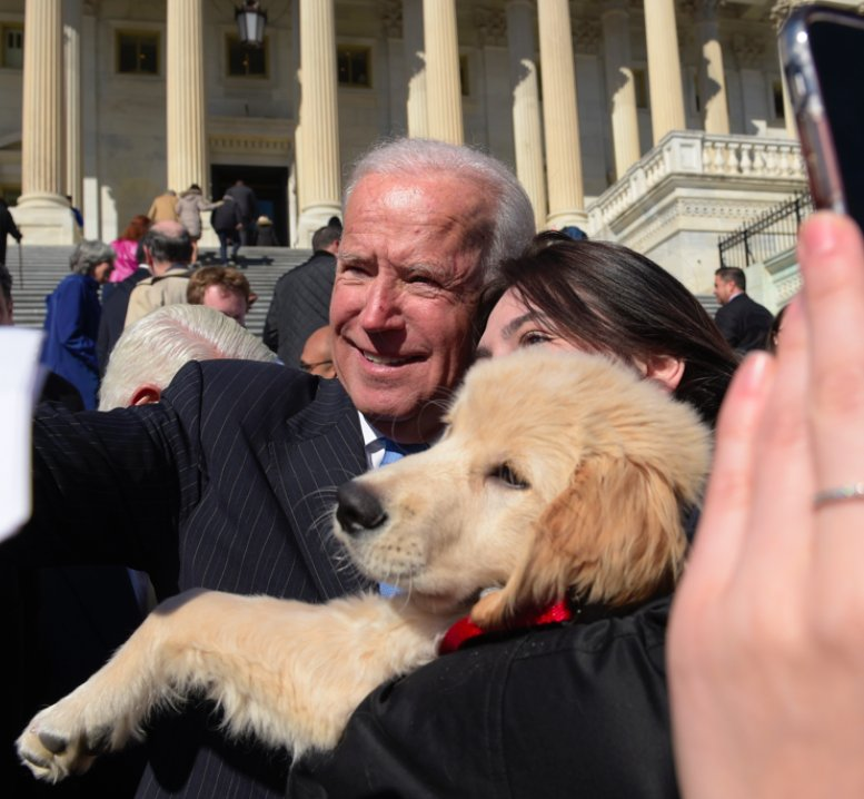 .@JoeBiden met a puppy named Biden https://t.co/AliPnlMc7C? https://t....