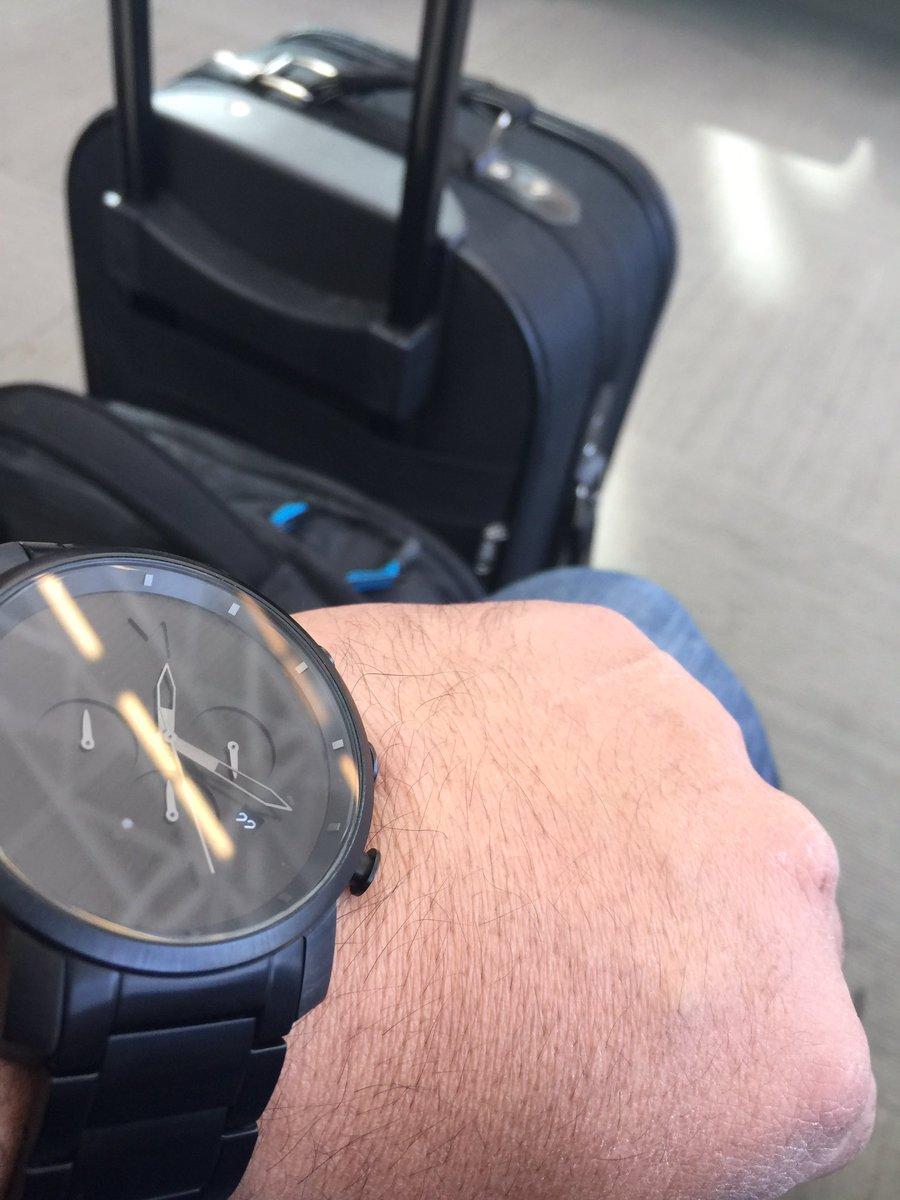 Pas le temps à perdre ... New York on arrive #LifeOnTheRoad #Familia #NewYork<br>http://pic.twitter.com/494LvbGGSp &ndash; à Aéroport International Jean-Lesage de Québec (YQB)