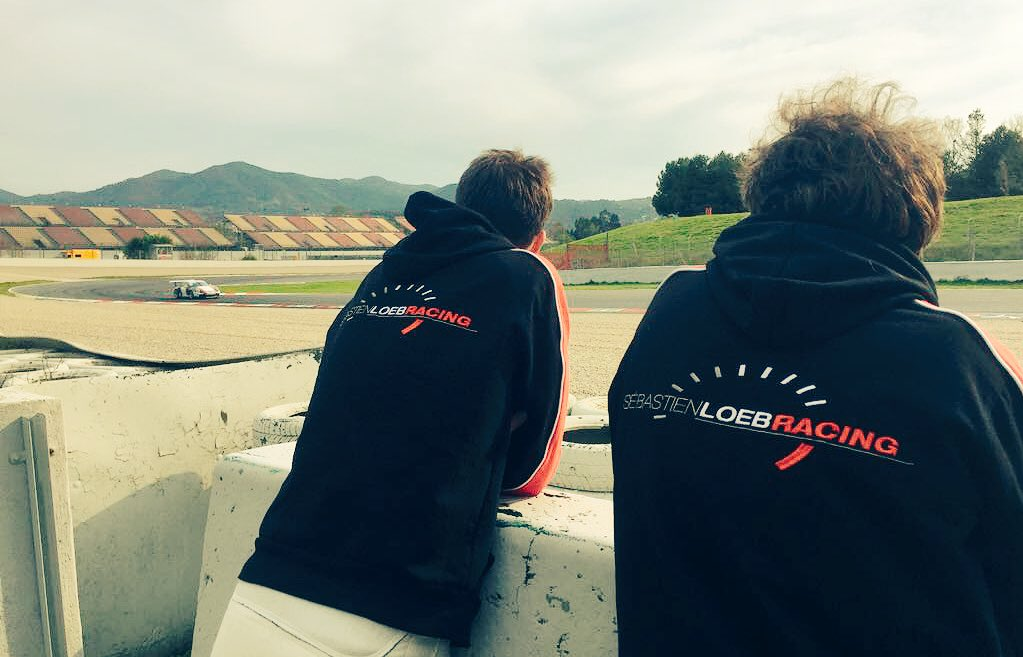 On se prépare ! avec @joffreydenarda  &amp; @ValHasseClot #testing #PCCF @Porsche #barcelona <br>http://pic.twitter.com/tpp2YrKEwX