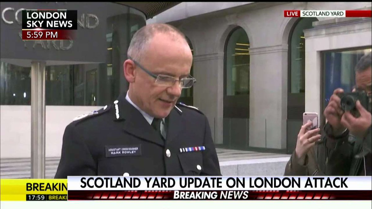 Scotland Yard: 'We've declared this a terrorist incident.' https://t.c...