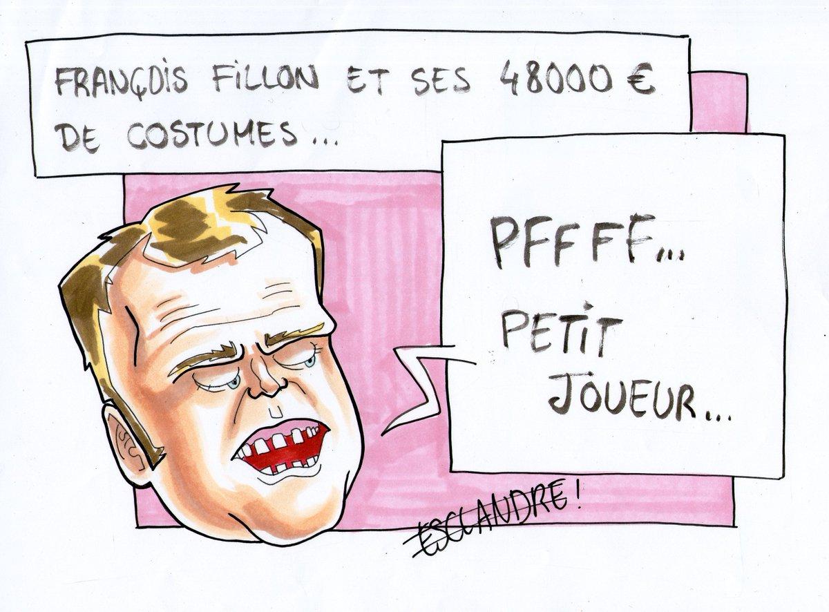 #Macron raille François #Fillon et ses costumes / #FillonGate #Fillon2017 #macron2017 #Enmarche #LR #Voleur  http:// lequerelleur.fr/macron-fillon- et-ses-costumes/ &nbsp; … <br>http://pic.twitter.com/nRndHducCt