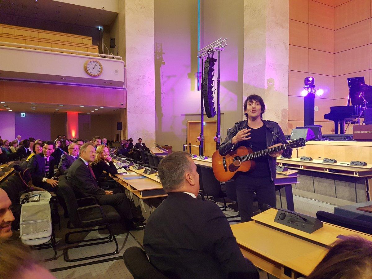 Moment de partage en chanson au Palais des Nations #SLFF17 #mon20mars...