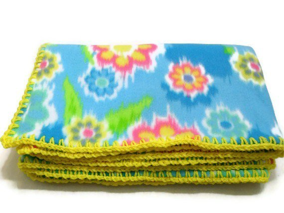 #Floral #FleeceThrow #Flower #Blanket #Travel by AddSomeStitches  http:// etsy.me/1QaxIA8  &nbsp;   #EpicOnEtsy #HomeDecor<br>http://pic.twitter.com/hay7T2Q0VU