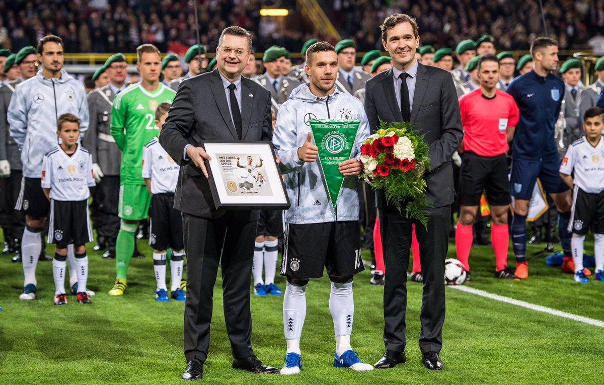 🙌🏼😍🙌🏼 @Podolski10 ⚽️⚽️⚽️ #TschöPoldi #DieMannschaft #GERENG https://t....
