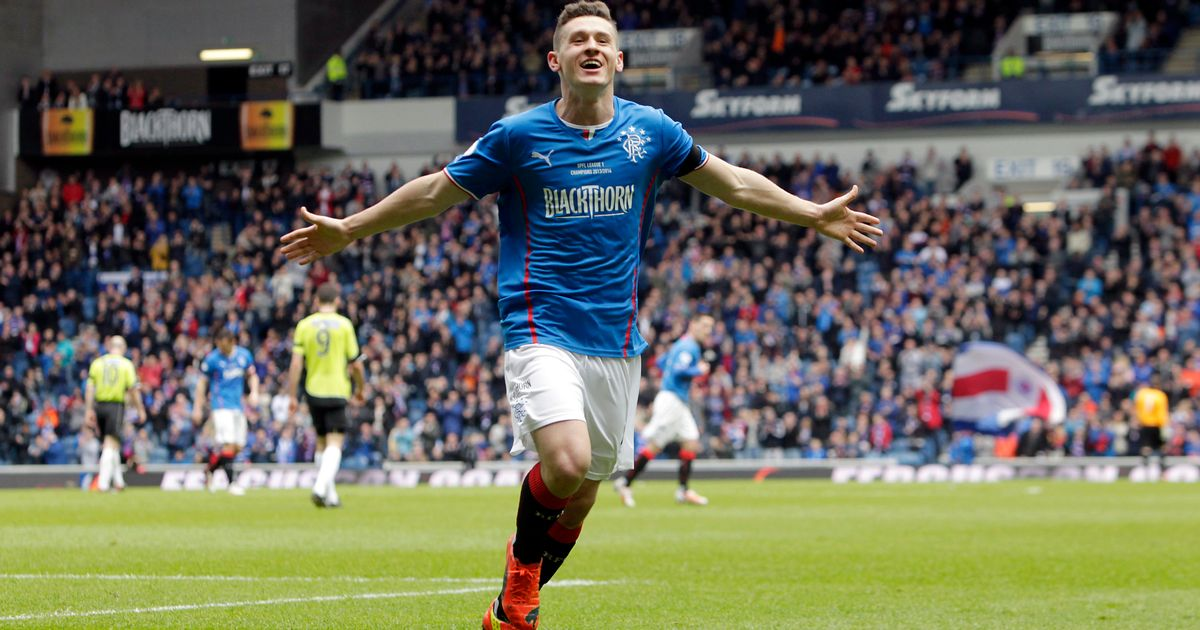 Fraser Aird has just scored against Scotland & he plays in the Sco...