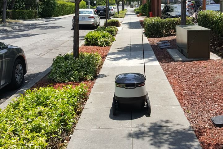 Robots are about to start delivering food in California https://t.co/zjBUooCpWL