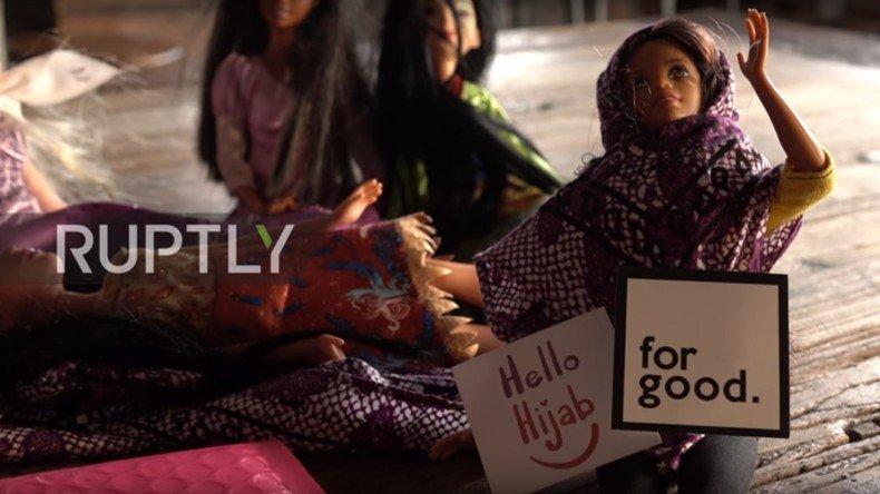 #EtatsUnis : des mères de famille vont commercialiser des foulards islamiques pour poupée Barbie  https:// francais.rt.com/international/ 35689-meres-familles-americaines-vont-commercialiser-foulards-islamiques-poupee-barbie &nbsp; … <br>http://pic.twitter.com/xQ7mJvCiOr