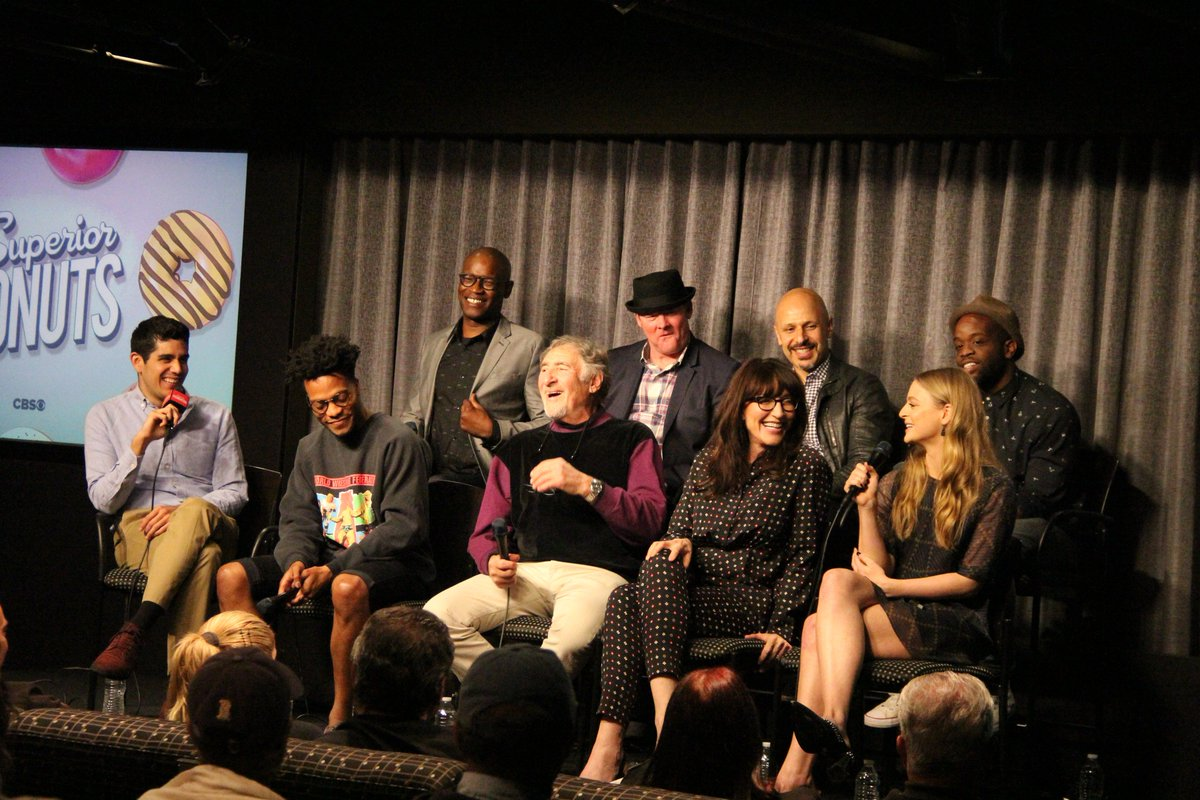 #SuperiorDonuts fan? Watch our Q&amp;A w/ #JuddHirsch @KateySagal @jermaineFOWLER @MazJobrani @DavidKoechner &amp; the cast!  https:// youtu.be/LUSk-gj8a0A  &nbsp;  <br>http://pic.twitter.com/6gvTdw85nU