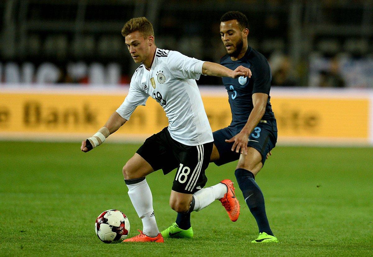 نهاية الشوط الأول: 0-0 #ألمانيا_إنجلترا https://t.co/eXoB9V1H4T