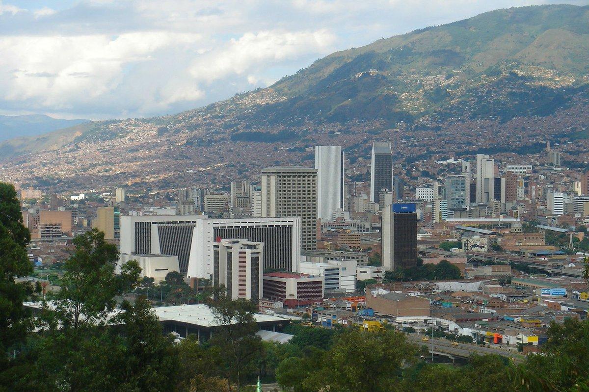 Declaran #AlertaRoja  en Medellín, por calidad del aire. https://t.co/...