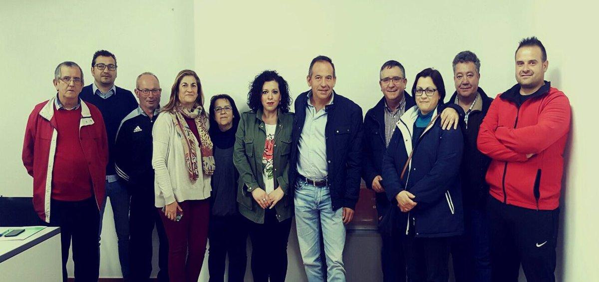 .@magda_sevilla nueva secretaria general del PSOE de Génave junto a su...