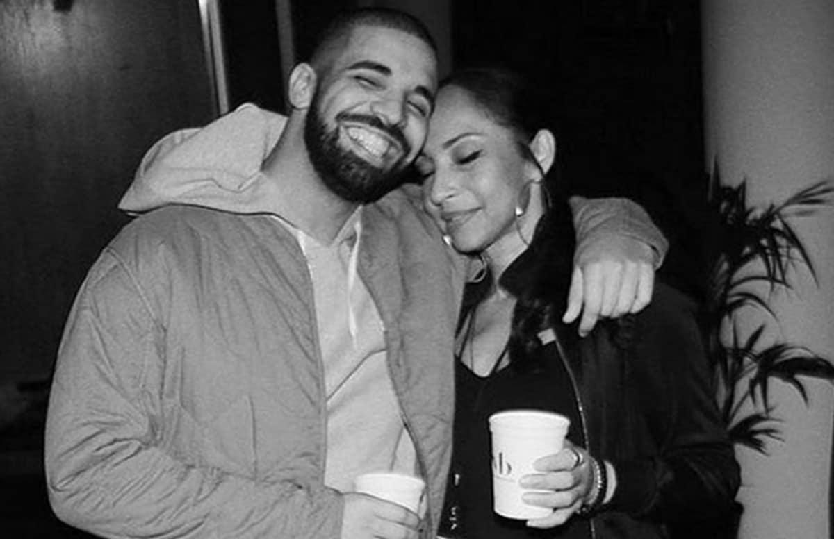 Drake got a Sade tattoo https://t.co/xcGh0VNKpi https://t.co/fbTKafQ0Z...
