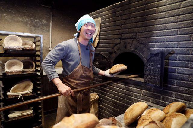売れ残りを捨てないパン屋に生まれ変わった店があります。作り方や売り方、働き方を変えることで実現したそうです。しかも売り上げも、以前と変わらぬ...