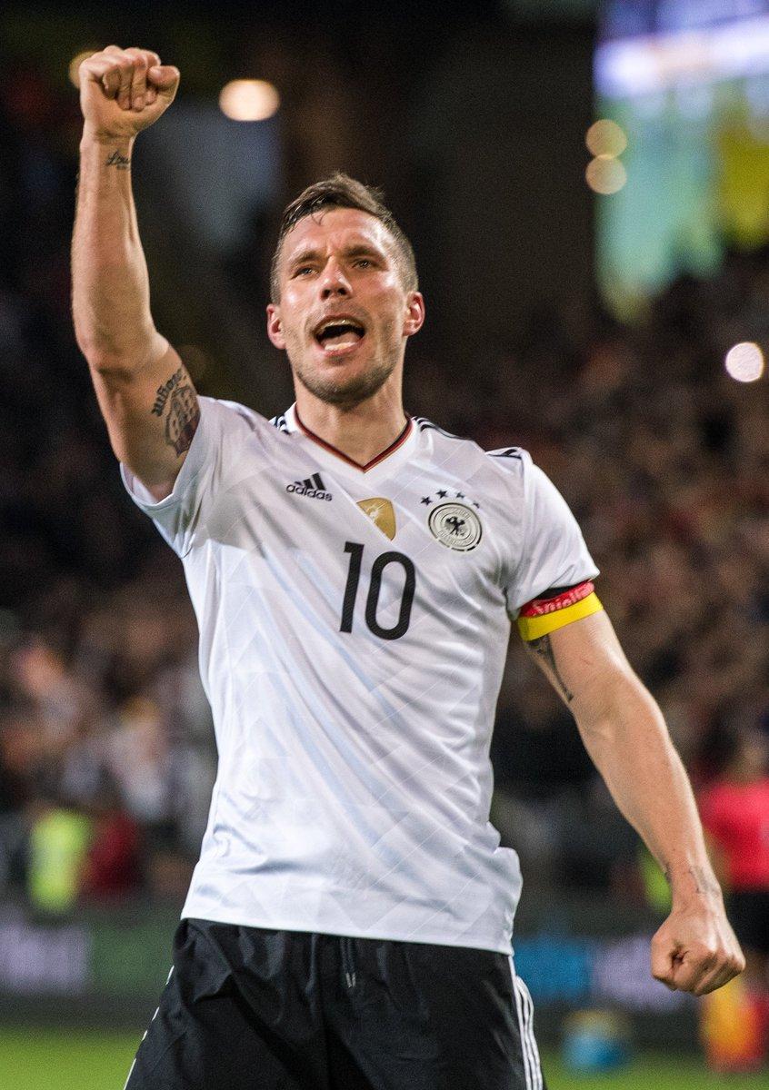 Danke für alles, Poldi 🇩🇪 #TschöPoldi #GERENG @Podolski10 https://t.co...