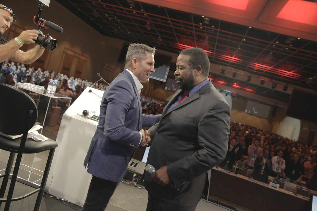 Was proud to have the legendary Les Brown speak at 10xGrowthCon 2017....