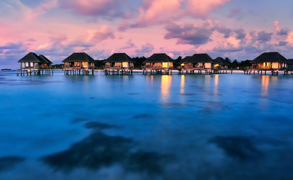 Just 17 Really Stunning Photos of the #Maldives https://t.co/OWDC7U0euV https://t.co/akyE7Jrj6V