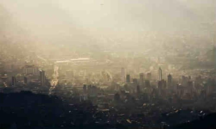 Declaran #AlertaRoja ambiental en Medellín. https://t.co/7aCz8fVywz ht...
