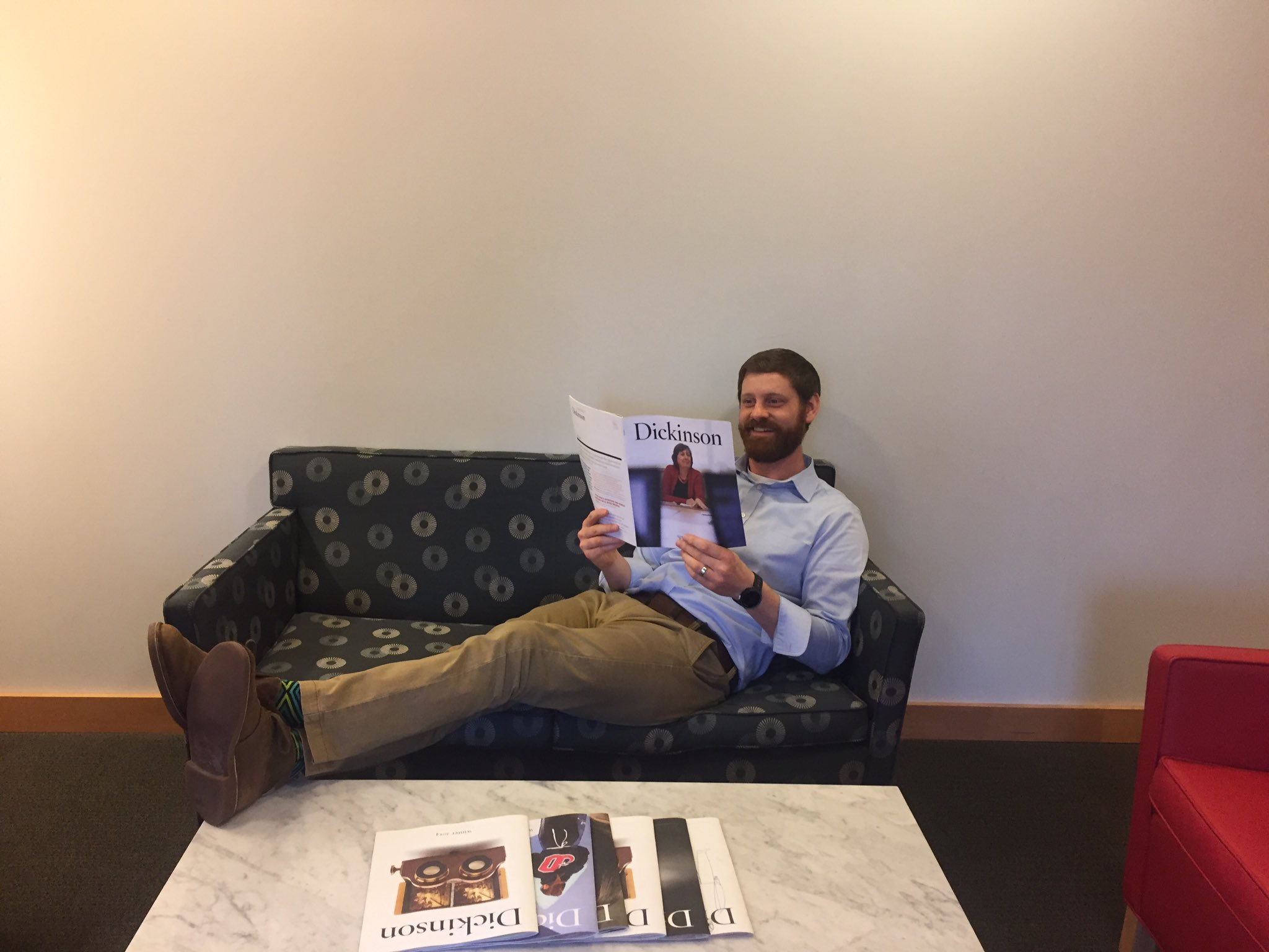 March Photo Madness Day 22: our fabulous counselors love to relax with a copy of Dickinson Mag! #dsonphotos https://t.co/khLUTuDpWO