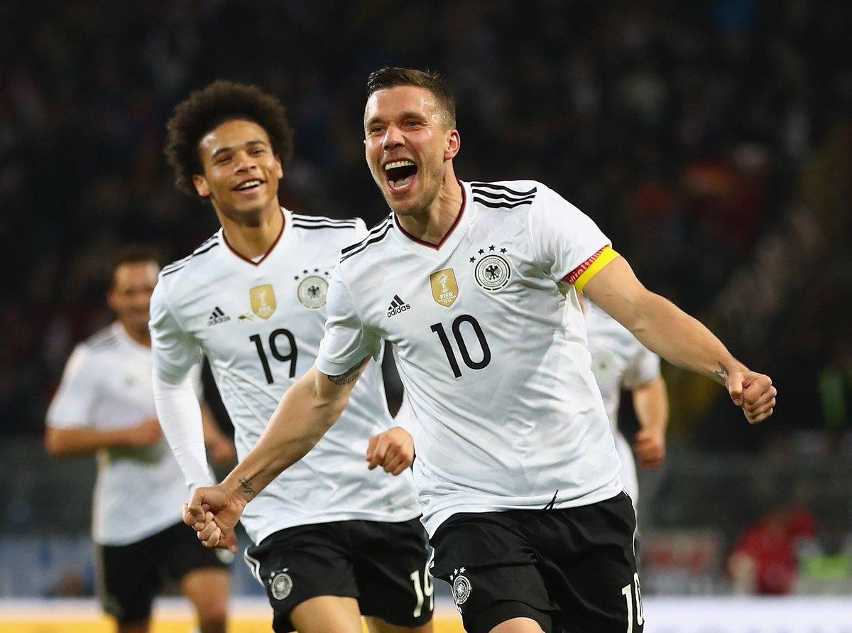 Going out on top!   Danke, @Podolski10! https://t.co/XMRvLxeVZW