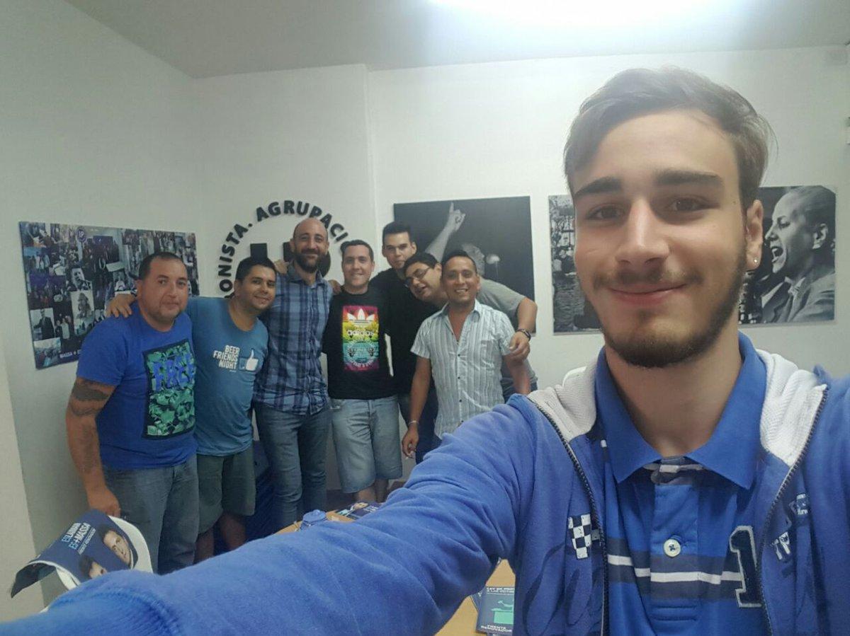 Reunión de los miércoles con los compañeros en nuestra UB del #FrenteRenovador, en Estrada 2724 #EslaimanEsMassa<br>http://pic.twitter.com/wYH2ohV3G0