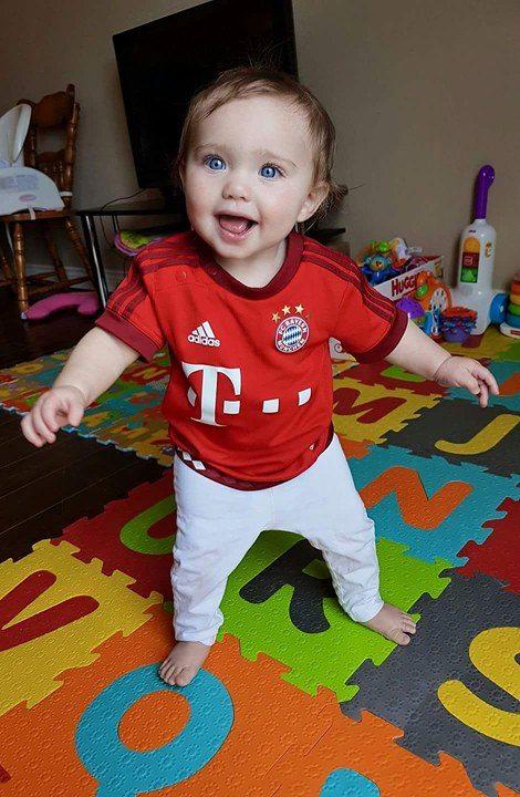 Teach them young! 👶  #MiaSanFamily #BayernBaby https://t.co/rn4FNFjjUa