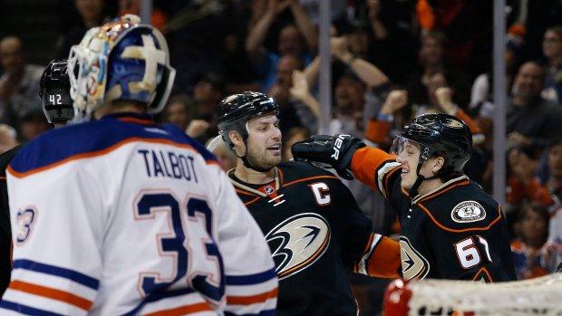Ducks end Talbot's night early to halt Oilers' 4-game winning streak....