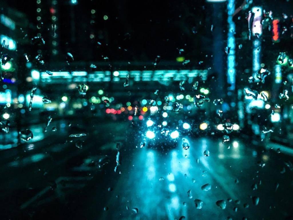 I love this city, especially on rainy nights #drive #bus #rearwindow #throughglass #night …