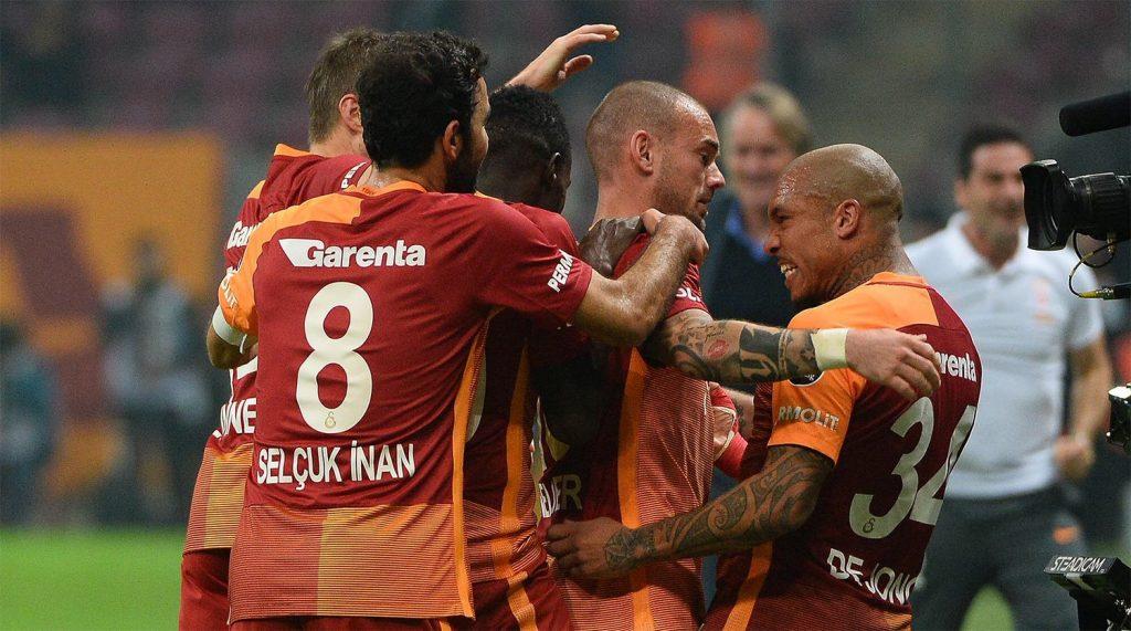 Galatasaraylı yıldızı dünyanın en çok nefret edilen 11'inde gösterdile...