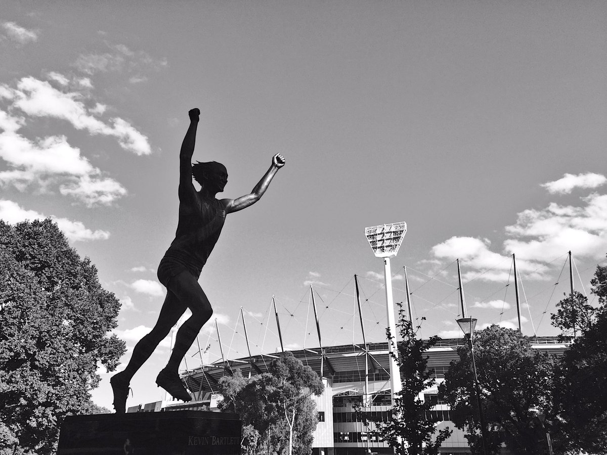 18 teams. One dream.  Let's do it all again #AFLBluesTigers https://t....