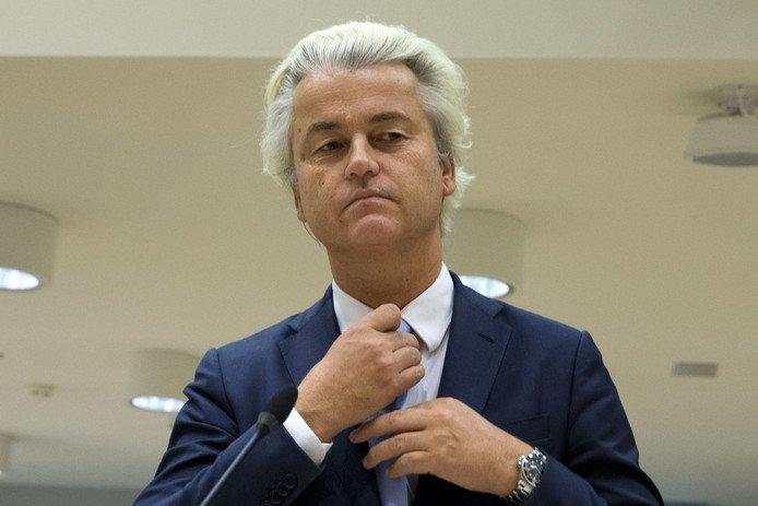 Geert Wilders 'premier' van Enschede https://t.co/g9JbEqrsIb https://t.co/HMmj5Uz3hL