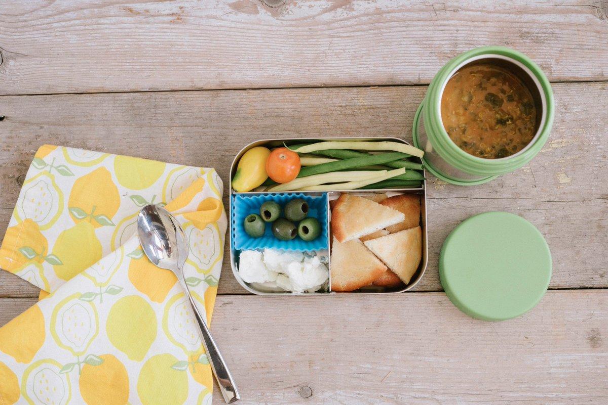 Chez nous tout commence avec les légumes bio les plus frais que nous puissions trouver. #packedwithlove #dejeuner #onyva #amyskitchen<br>http://pic.twitter.com/x9Ppx87FGW