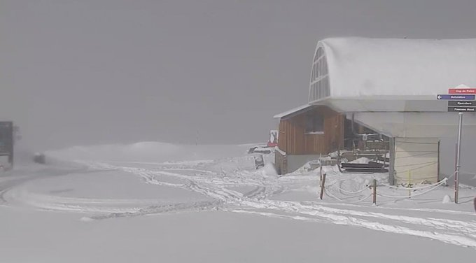 #FelizJueves esquiadores ! ❄️❄️❄️ 20 cm de nieve fresca os esperan en #Peyragudes 🔝⛷️ Mas webcam en https://t.co/4w0Oasq2IS