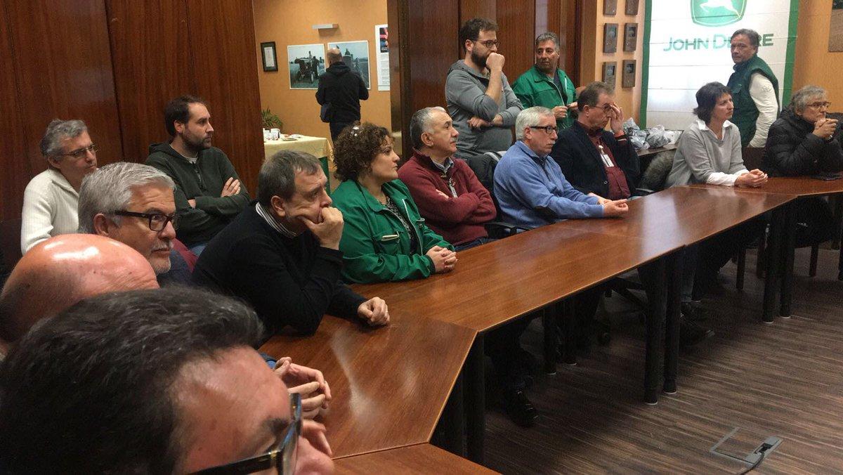 Pepe Álvarez con las secciones sindicales de John Deere antes de inici...