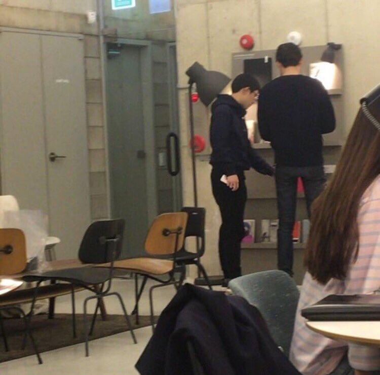 คยองซูสูงเท่าไหร่...เท่าไหล่พี่อูบินเลย 😂 เอ็นดู https://t.co/pJ3mkxcI...