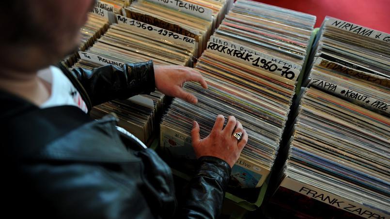 #DisquaireDay : #Prince, #DavidBowie et #LeonardCohen ressortent en vinyle  http://www. lefigaro.fr/musique/2017/0 3/23/03006-20170323ARTFIG00162-disquaire-day-prince-david-bowie-et-leonard-cohen-ressortent-en-vinyle.php &nbsp; …  via @Figaro_Culture<br>http://pic.twitter.com/WDL4UrxVTz