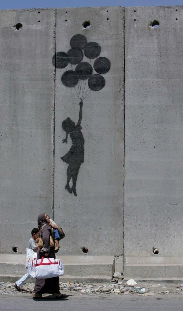 En #Palestine, les années passent les unes après les autres... sans liberté, sans bonheur, sans justice... <br>http://pic.twitter.com/B66fAjAdA9