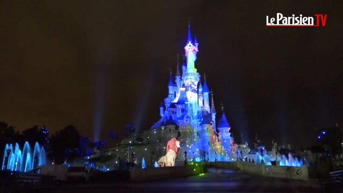[1/5] Nouveaux aperçus de Disney Illuminations, le spectacle nocturne des 25 ans avec la scène du Roi Lion !  #DisneylandParis <br>http://pic.twitter.com/O17HPohojq