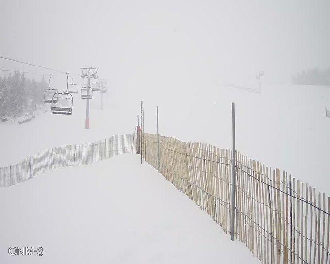 #Manzaneda anuncia su reapertura para mañana viernes con 7,5km de pistas habilitadas gracias a las nevadas caídas estos días!!! ❄️🙂🎉👏🔝