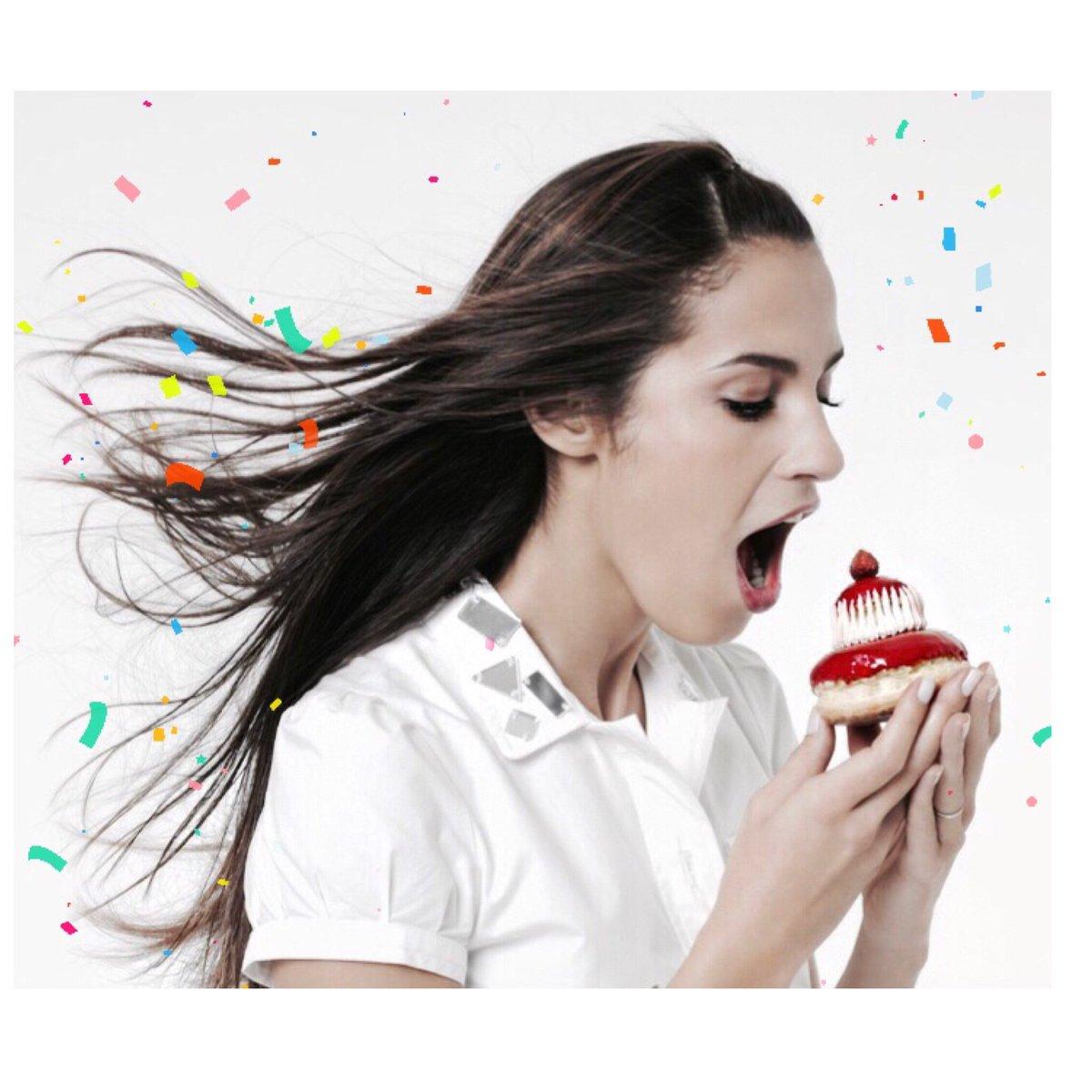 23 Mars ! Le seule jour où j&#39;ai le droit de manger tout les gâteaux du monde ....  #BDay #NY #BirthdayTrip  #EtUneDePlus <br>http://pic.twitter.com/er5VNsfagr