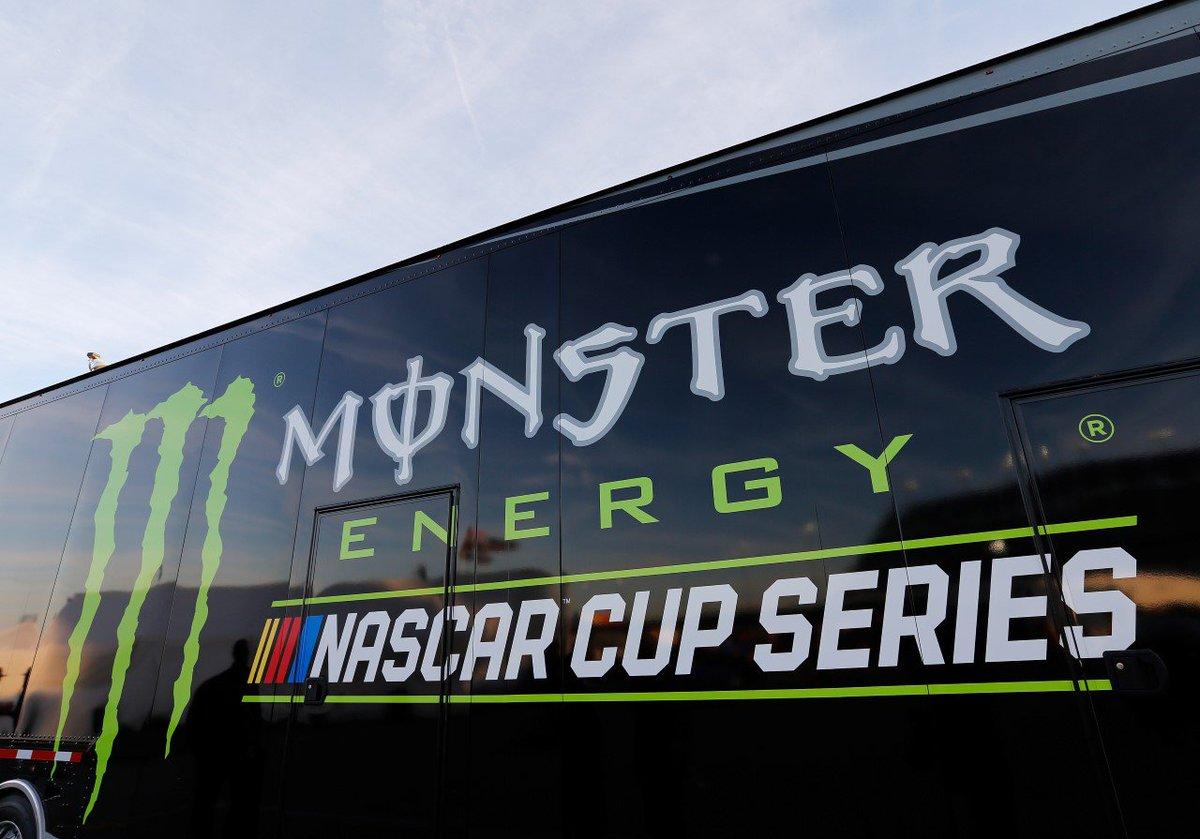 #NASCAR - Sanctions pour les équipes de Brad Keselowski et Kevin Harvick  http:// dlvr.it/Nj0NwF  &nbsp;   - via @usracingcom<br>http://pic.twitter.com/9HR7a9LUmh
