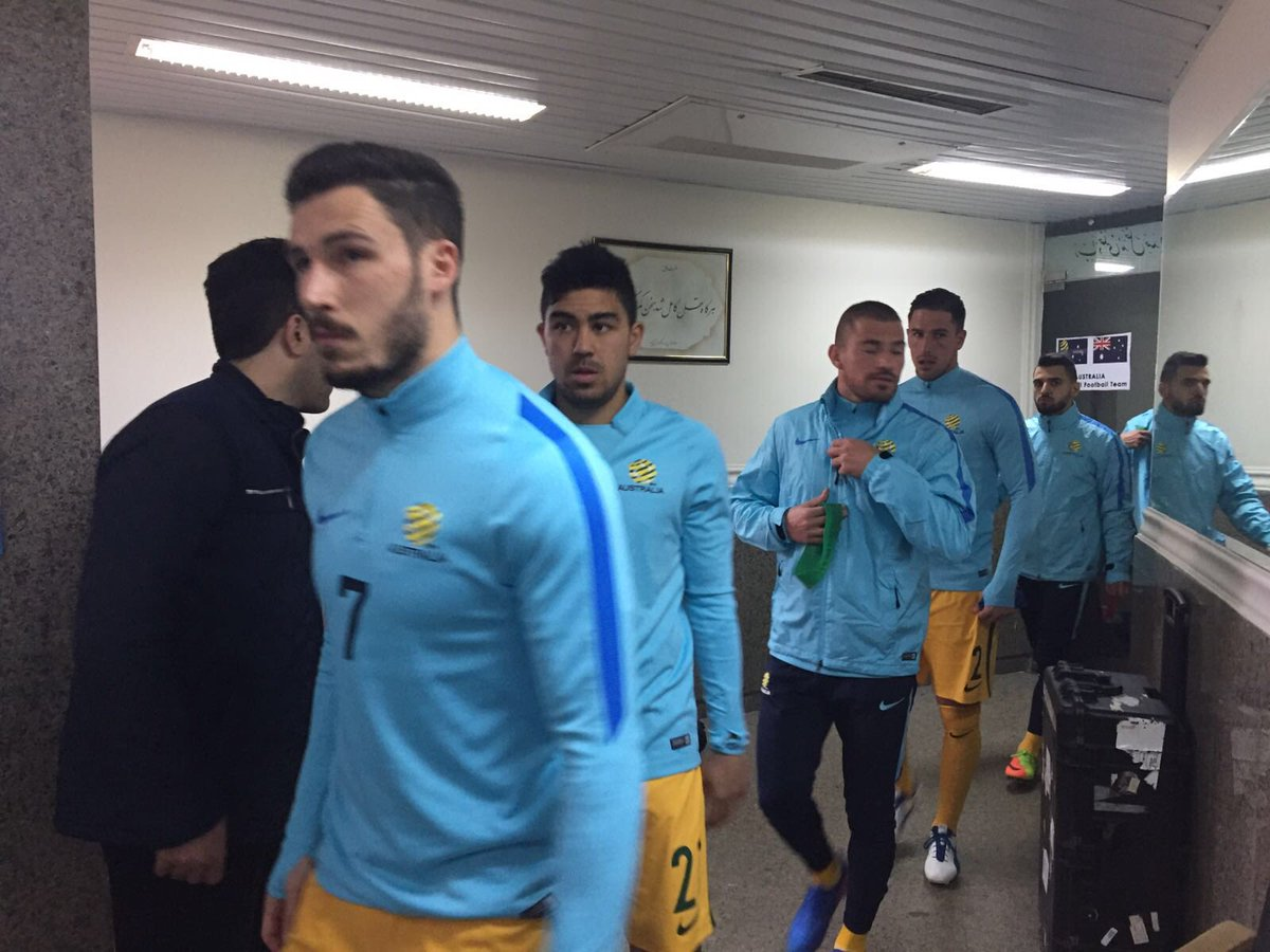 The lads getting ready to go out and warm up. Not long to go now. #IRQ...