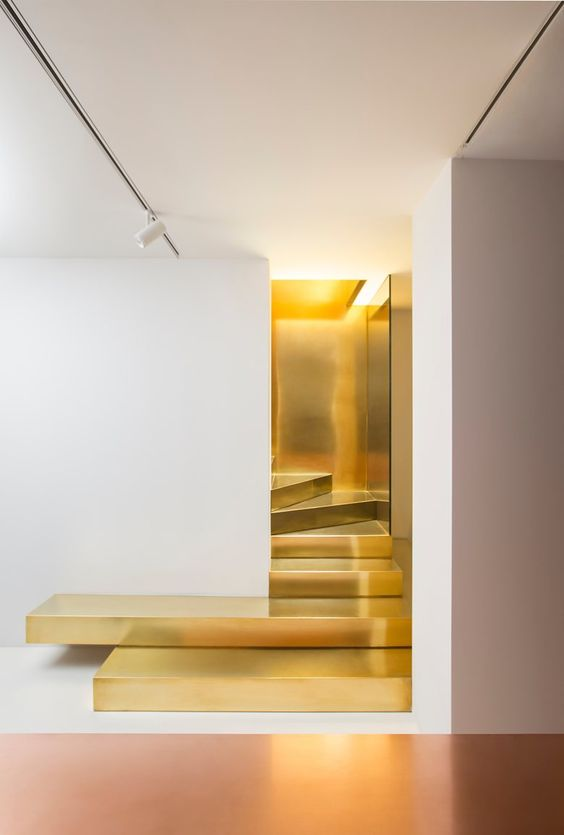 #GoldenGlobes #staircase what is your #feelinghappy when you #steps on this #staircase?<br>http://pic.twitter.com/k34Vurl84p