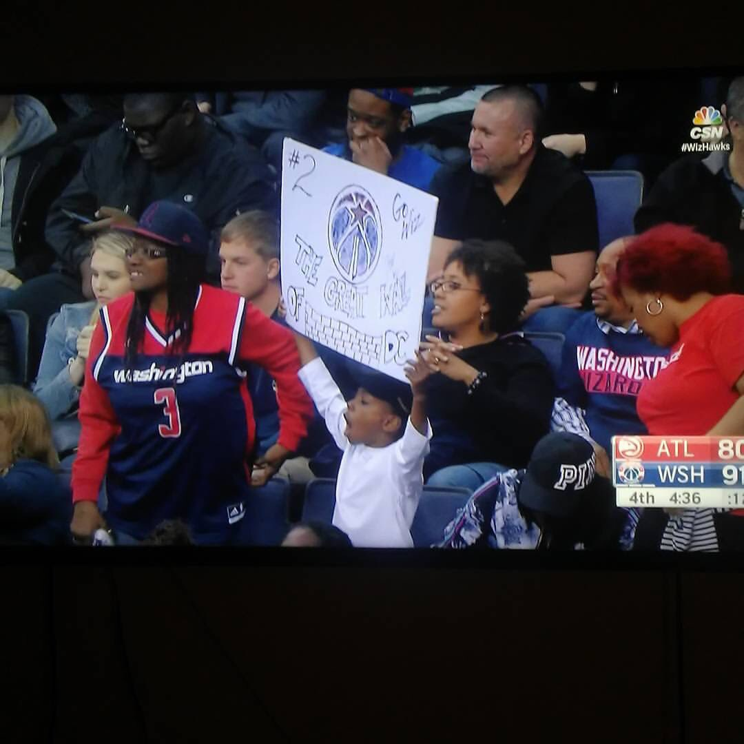 My little cousin on tv last night at the game! He\'s @JohnWall biggest fan! 😊