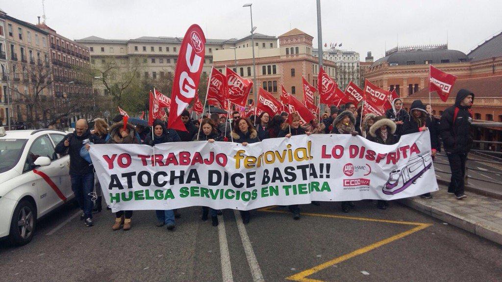 #alacalle23M Manifestación de Ferrovial https://t.co/h9UDe4wYXq