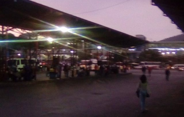 Con paro de transporte amanecieron los Valles del Tuy este miércoles #...
