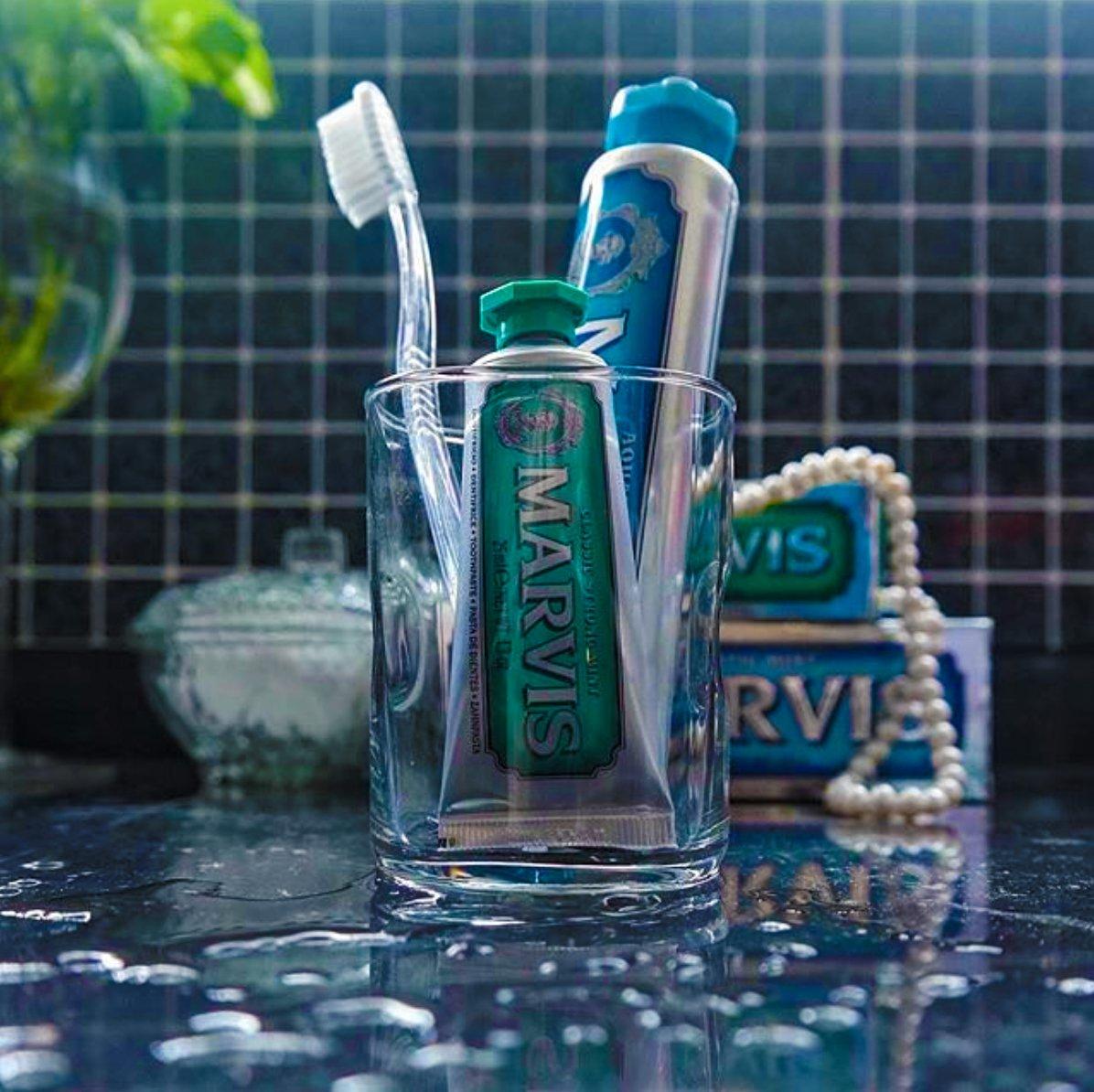 #Marvis l&#39;inimitable dentifrice italien Marvis Toothpaste à la poudre d&#39;Alun et aux extraits naturels de Menthe #soin #toothpaste #bright <br>http://pic.twitter.com/ElLZyj0pWj