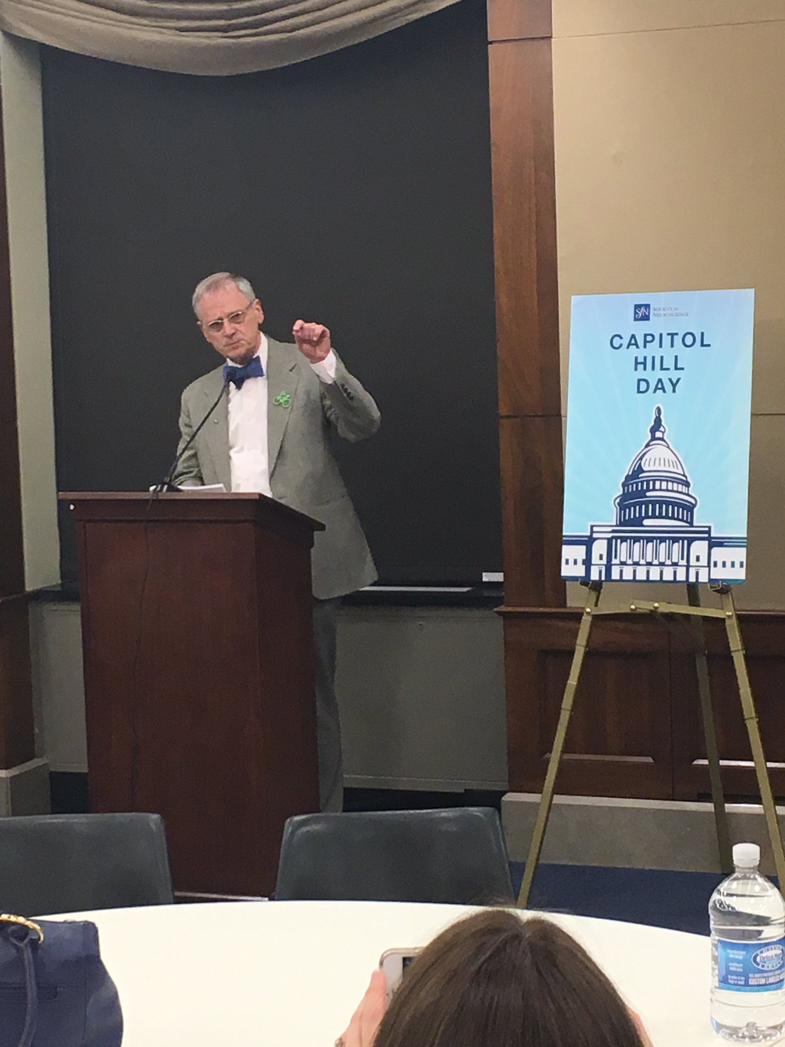 ".@repblumenauer opening #sfnhillday: ""you have an important story to tell"" #standupforscience https://t.co/RhArmNwVNS"